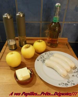 Boudins blancs de volaille aux pommes, flambés au Calvados et purée de pommes de terre